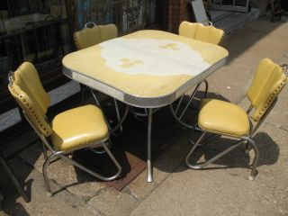 Vintage_chrome_kitchen_table